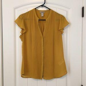 H & M Mustard Yellow short sleeve top